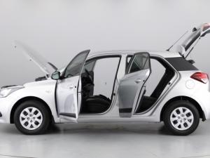 Hyundai i20 1.4 Motion auto - Image 10