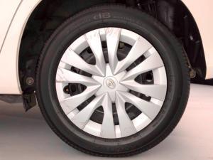 Toyota Yaris 1.5 Xi - Image 21
