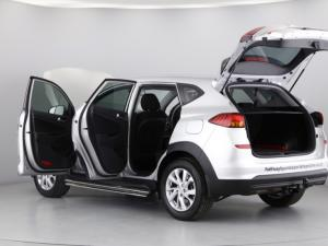 Hyundai Tucson 2.0 Premium auto - Image 10