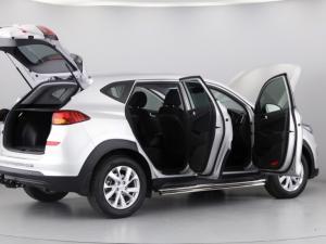 Hyundai Tucson 2.0 Premium auto - Image 16