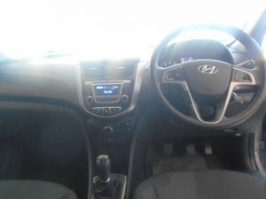 Hyundai Accent 1.6 GLS auto - Image 3