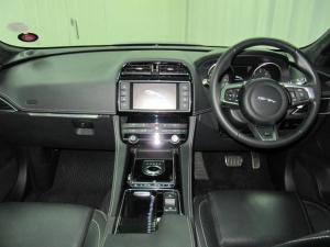 Jaguar F-Pace 30d AWD S - Image 17