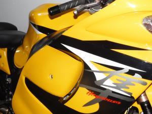 Suzuki GSX 1300R - Image 4