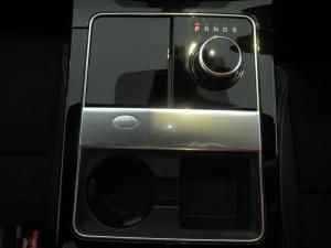 Land Rover Range Rover Velar 2.0D - Image 17