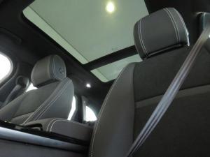 Land Rover Range Rover Velar 2.0D - Image 18