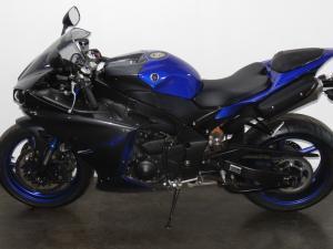Yamaha YZF R1 - Image 7