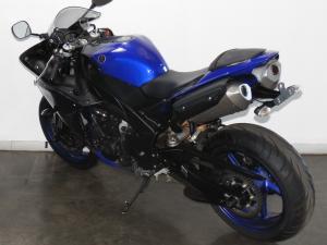 Yamaha YZF R1 - Image 8