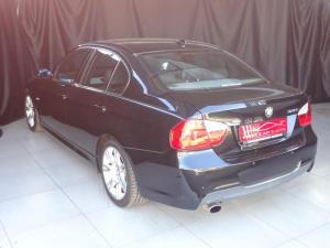 BMW 320i automatic - Image 2