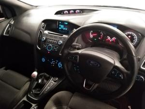 Ford Focus ST 1 - Image 8