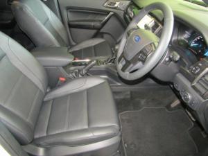 Ford Everest 2.0D BI-TURBO LTD 4X4 automatic - Image 13