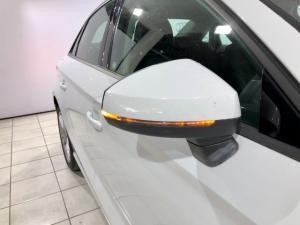 Audi A3 2.0T FSI Stronic T - Image 2