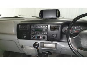 Ford F-Series F250 4.2TDi XL - Image 12