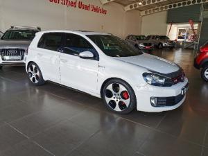 Volkswagen Golf GTI - Image 3
