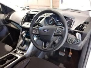 Ford Kuga 1.5T Ambiente auto - Image 10