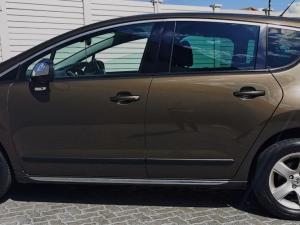 Peugeot 3008 2.0 HDI Executive - Image 5