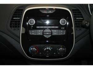 Renault Captur 900T Blaze 5-Door - Image 17