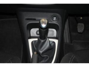 Renault Captur 900T Blaze 5-Door - Image 18