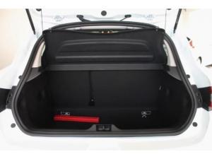 Renault Clio IV 900 T Expression 5-Door - Image 13
