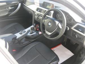 BMW 318i automatic - Image 3