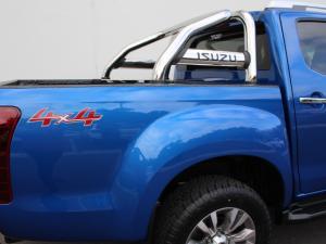 Isuzu D-MAX 300 LX 4X4 automatic D/C - Image 10