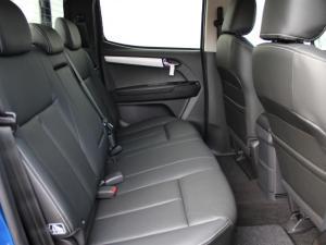 Isuzu D-MAX 300 LX 4X4 automatic D/C - Image 13