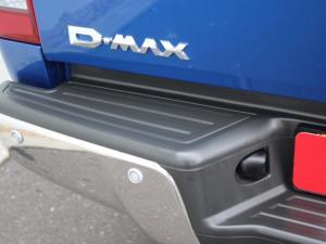 Isuzu D-MAX 300 LX 4X4 automatic D/C - Image 14
