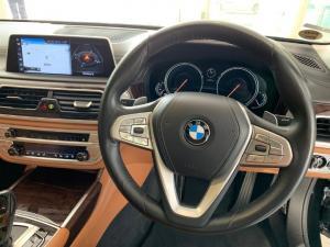 BMW 750i - Image 14