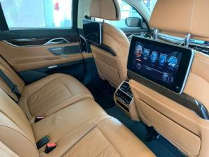 BMW 750i - Image 16