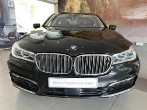 BMW 750i - Image 19