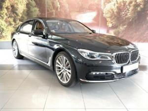 BMW 750i - Image 1