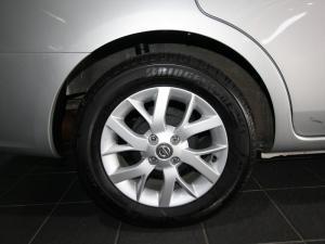Nissan Almera 1.5 Acenta automatic - Image 6