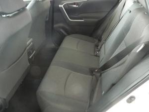 Toyota RAV4 2.0 GX CVT - Image 12