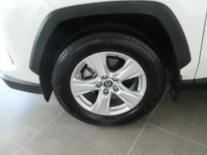 Toyota RAV4 2.0 GX CVT - Image 17