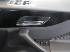 Jaguar F-PACE 2.0Di4 AWD Pure - Image 19