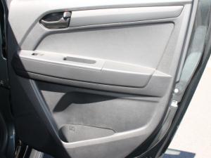 Isuzu D-MAX 250 HO HI-RIDER automatic D/C - Image 2