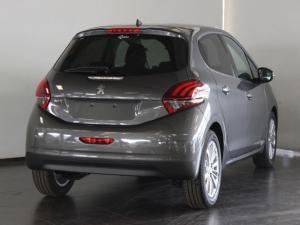 Peugeot 208 1.2 Allure - Image 3