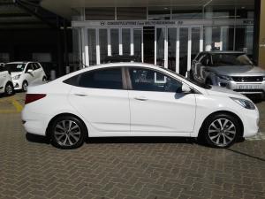 Hyundai Accent sedan 1.6 Glide auto - Image 4