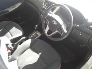 Hyundai Accent sedan 1.6 Glide auto - Image 6