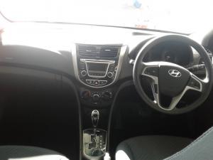 Hyundai Accent sedan 1.6 Glide auto - Image 7