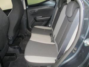 Toyota Aygo 1.0 X-Cite - Image 12