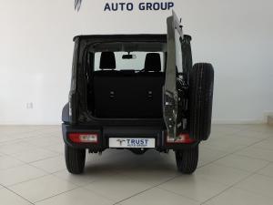 Suzuki Jimny 1.5 GA - Image 10