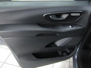 Mercedes-Benz Vito 119 2.2 CDI Tourer Select automatic - Image 9