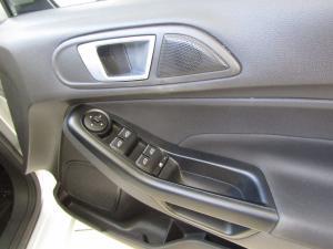 Ford Fiesta 1.0 Ecoboost Trend Powershift 5-Door - Image 13
