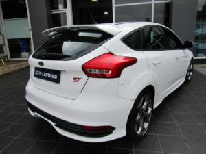 Ford Focus ST 1 - Image 3