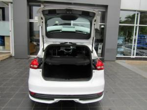 Ford Focus ST 1 - Image 7