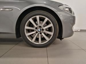 BMW 5 Series 523i - Image 16