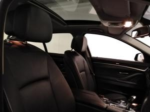 BMW 5 Series 523i - Image 9