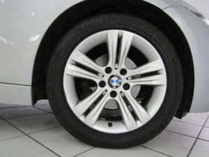 BMW 320i Sport Line automatic - Image 6