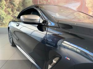 BMW M850i Xdrive Convertible - Image 10