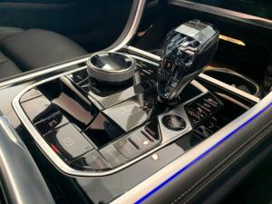 BMW M850i Xdrive Convertible - Image 13